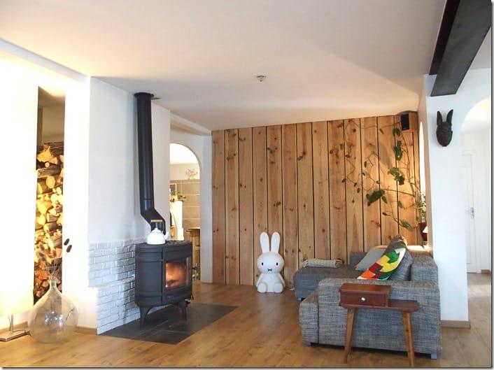 loft salon mur parement en bois